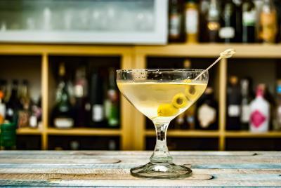 Den klassiske 007-drinken - Dry Martini
