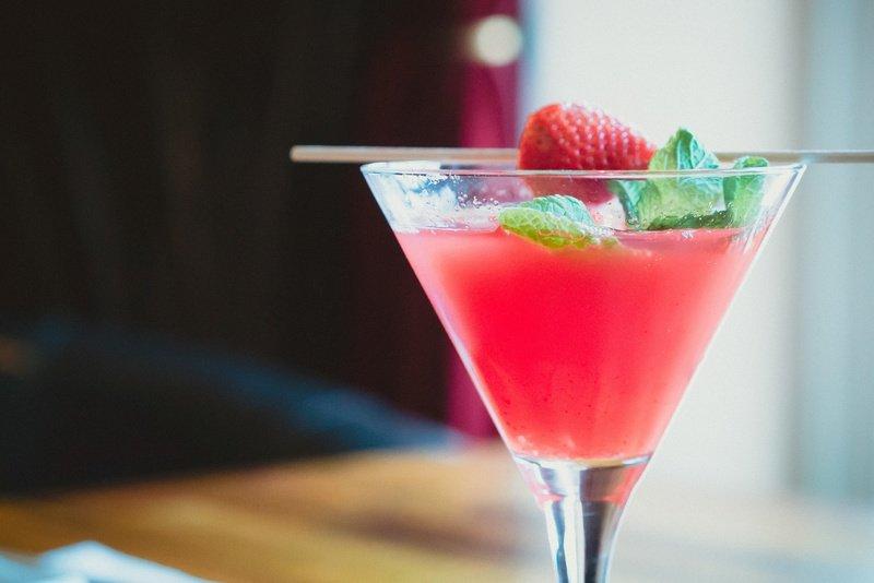 Oppskrift på Strawberry Daiquiri og drinkens historie